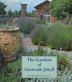 The gardens of gertrude jekyll bisgrove richard lawson for Gertrude jekyll garden designs